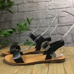 🍭SALE 3/15 Forever 21 black flat sandals buckles